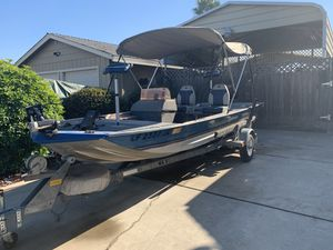 16'. Mirrocraft aluminum fishing boat for Sale in Ceres, CA
