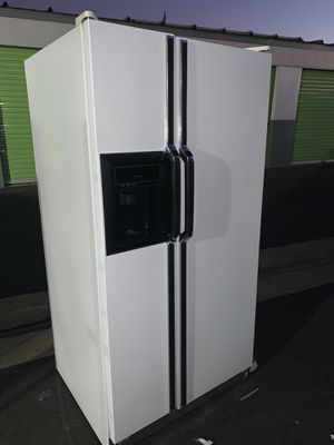 KENMORE SIDE BY SIDE REFRIGERATOR for Sale in Stockton, CA