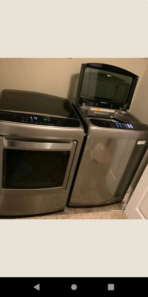 Smart washer and dryer (lg) for Sale in Valparaiso, FL