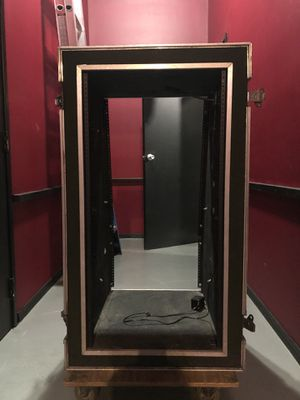 Rolling Rack Case for Touring/Studio for Sale in Los Angeles, CA