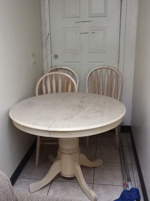 Table wooden antique 4 chairs... Also extends for Sale in Tucson, AZ