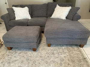 Charcoal gray havertys sectional and ottoman for Sale in Fort Worth, TX