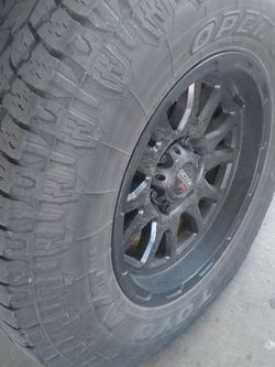 17 Inch Good Wheels And Tires Good Condition for Sale in Wenatchee,  WA