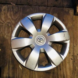 Toyota Hubcaps for Sale in Raynham, MA