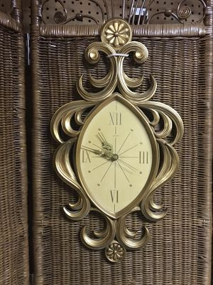 Welby Mid Century Modern Clock Set for Sale in St. Louis, MO