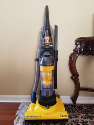 Eureka Powerline Bagless Upright vacuum cleaner for Sale in Orlando, FL