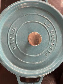 LA COCOTTE STAUS 24cm 6.7L for Sale in San Jose,  CA