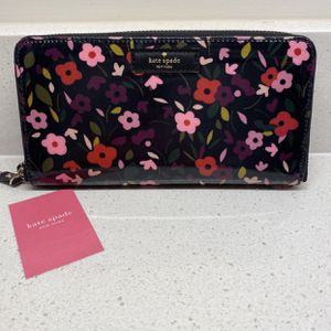 Authentication Kate Spade Wallet for Sale in Lorton, VA