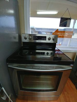 Samsung stainless glass top range mint condition for Sale in Clearwater, FL