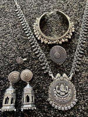 USA based ready to ship from New Jersey New 5 pcs high end silver oxidized jewelry set for Sale in Old Bridge Township, NJ