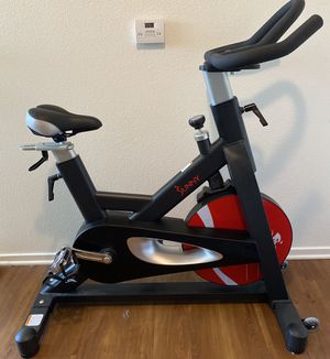 Sunny Health Pro magnetic belt drive indoor cycling bike for Sale in Santa Maria, CA