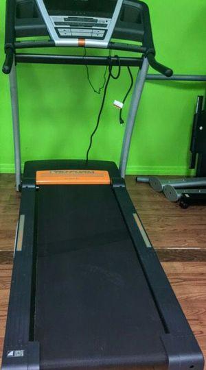 Proform 675E Treadmill for Sale in Lynnwood, WA