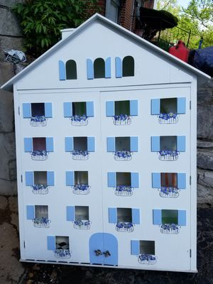 Giant Dollhouse for Sale in St. Louis, MO