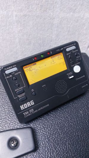 Bass/guitar tuner+metronome for Sale in Lake View Terrace, CA