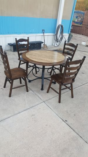 table ,, 4 chairs,,, use ,,, for Sale in Channelview, TX