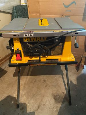 Dewalt DW744 15A 10in Table Saw & Stand for Sale in Eugene, OR
