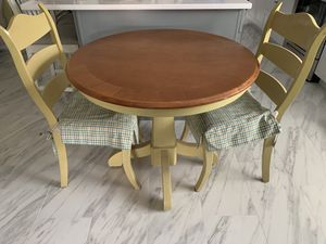 Kitchen table 2 chair and hutch for Sale in Davenport, FL