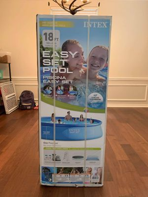 Intex 18ft x 48in Inflatable Round Pool w/ Filter, Pump, Ladder, Debris Cover for Sale in Plano, TX