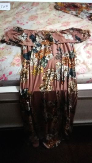 Long dress but not to long for Sale in Hayward, CA