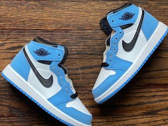 """Nike Air Jordan 1 """"University Blue"""" Toddlers Size for Sale in Cleveland,  OH"""