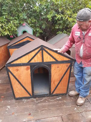 black dog house for sale $200 for Sale in Corona, CA