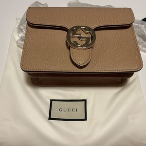 Gucci Crossbody Bag for Sale in Chicago Heights, IL