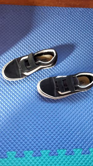 Vans size 2.5y for Sale in Cleveland, OH