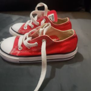 Kids (Used) Converse Size 8 for Sale in Pinole, CA