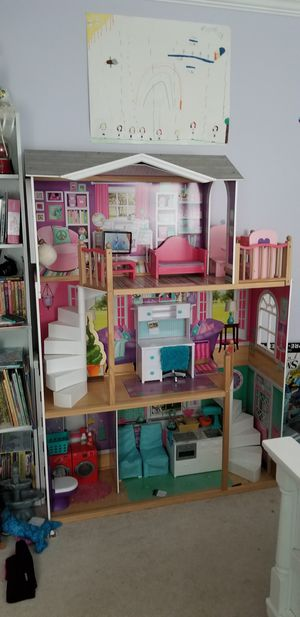 American girl size dollhouse 18 inches doll for Sale in Eddington, PA