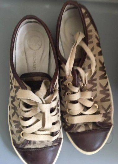 Micheal Kors Flat Shoes
