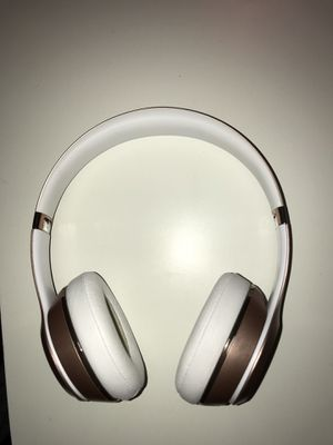 rose gold beats solo 3 for Sale in Gilbert, AZ