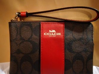 Authentic Coach Wristlet New With Tags for Sale in Moreno Valley,  CA