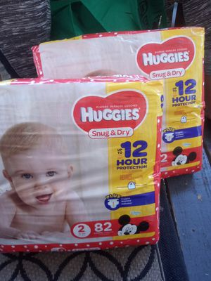 Huggies snug and dry 82 pk diapers for Sale in Akron, OH