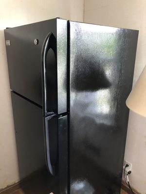 Frigidaire 13.6 cu ft Refrigerator for Sale in Peabody, MA