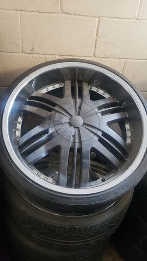 5 lug universal for Sale in Fresno, CA