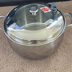 CALDERO DE 15QT for Sale in Raleigh, NC