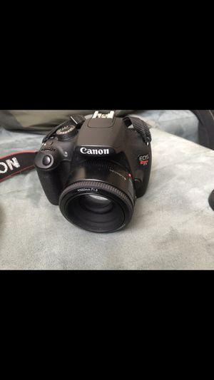 Canon T5 Rebel for Sale in Philadelphia, PA