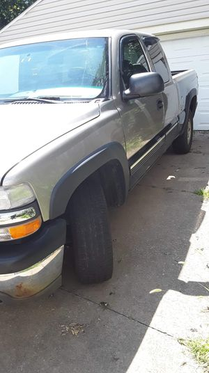 2001 Chevy 1500 for Sale in Ravenna, OH