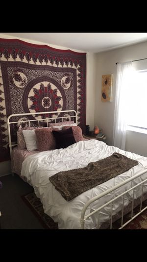 Metal Bed Frame for Queen Bed for Sale in Ventura, CA