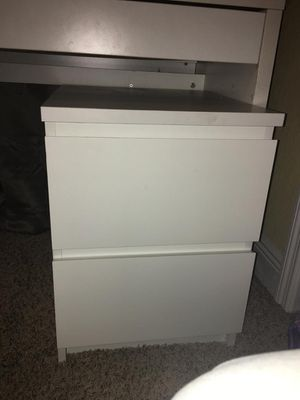 CUTE IKEA WHITE NIGHT STAND for Sale in Haines City, FL