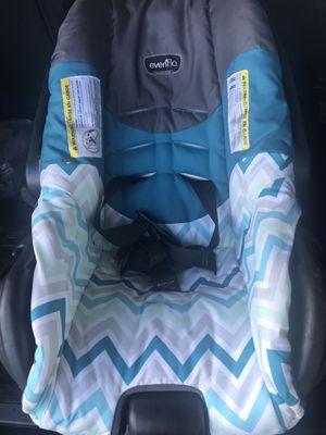 Evenflo used baby carseat for Sale in Deltona, FL