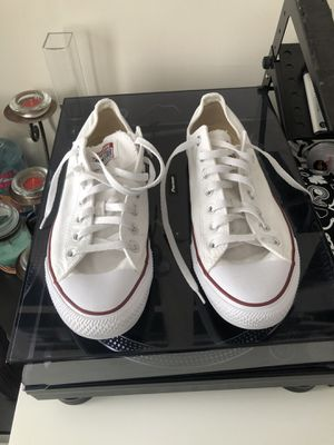 Men's 11 White Converse Low Too All-Stars for Sale in New York, NY