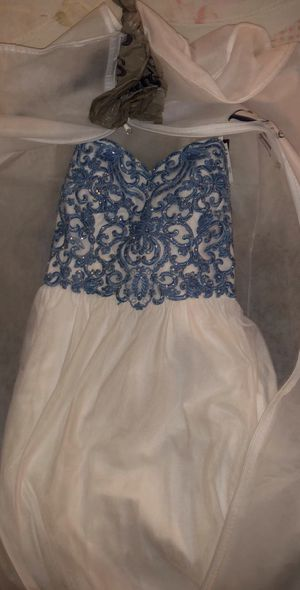 Prom dress white with blue beads for Sale in Tullahoma, TN