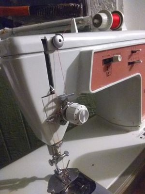 Singer model 626 in working condition for Sale in Avondale, AZ