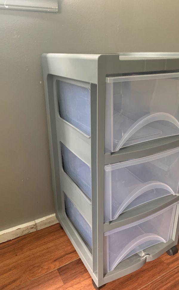 Plastic rolling drawer