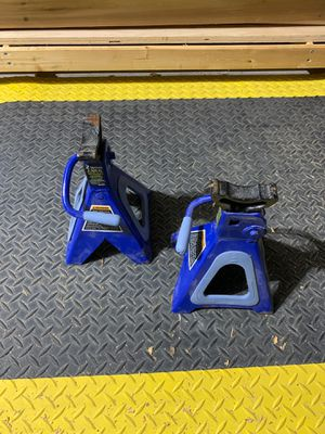 Never used jack stands, 4,000 lbs (2 tons) for Sale in Sharon, MA