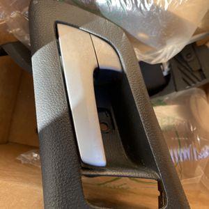G8 Gt Left Rear Door Handle for Sale in Santa Ana, CA