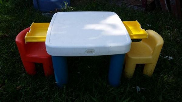 Little tikes craft table & chairs
