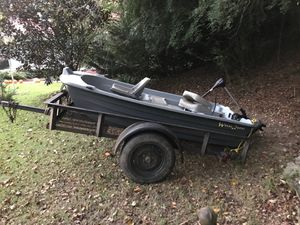 "9'3"" WaterQuest 2 person fishing boat for Sale in Oxford, MS"