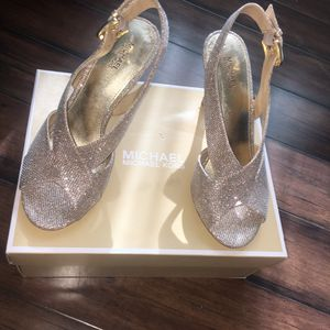 WOMENS HEELS BUNDLE Size 9-10; 1 Size 8 for Sale in Queen Creek, AZ